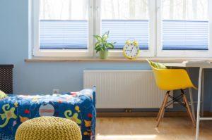 Jakie rolety i żaluzje dobrać do pokoju dziecięcego