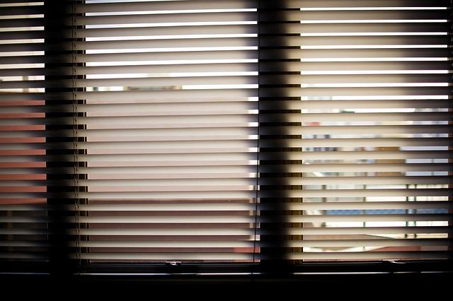 Jak dopasować roletę do okna? Sprawdź poradnik prosto od specjalistów